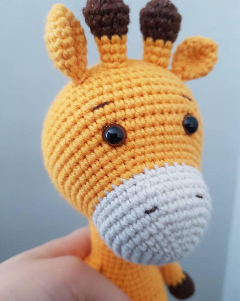 Sleeping Giraffe Amigurumi free crochet pattern - Amigu World | 1024x819