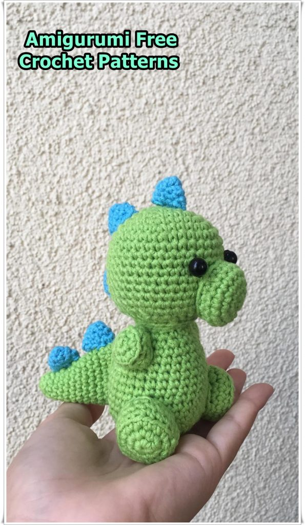 Dinosaur Triceratops amigurumi pattern | Amiguroom Toys | 1024x595